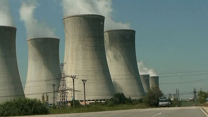 Dukovany Nuclear-Power:デュコヴァニー原子力発電所のすぐ近くを走る